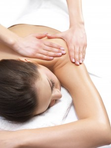 loosen a tight shoulder with a therapeutic massage